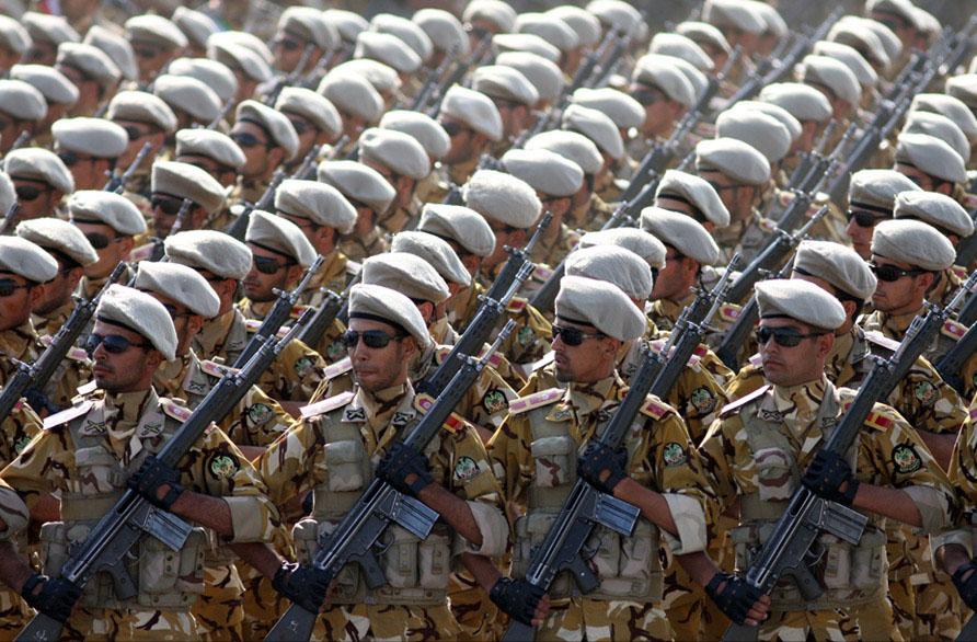 Иранские солдаты