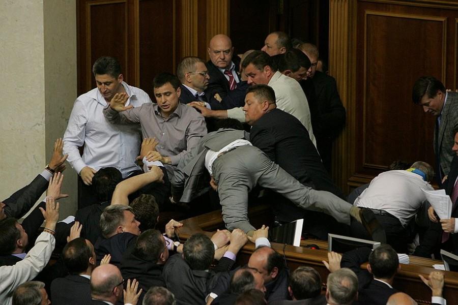 Драка в украинском парламенте