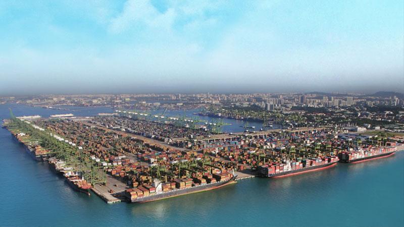 Порт Сингапура входит в число четырёх крупнейших в мире портов