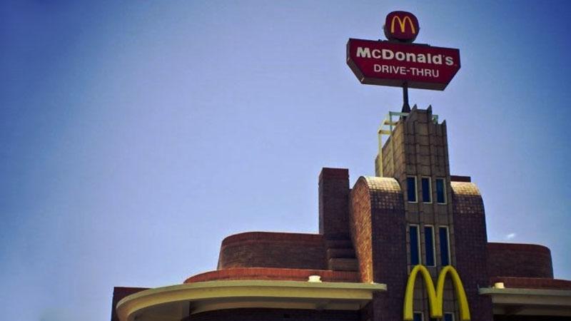Как «Макдональдс» расправляется со своими представителями?