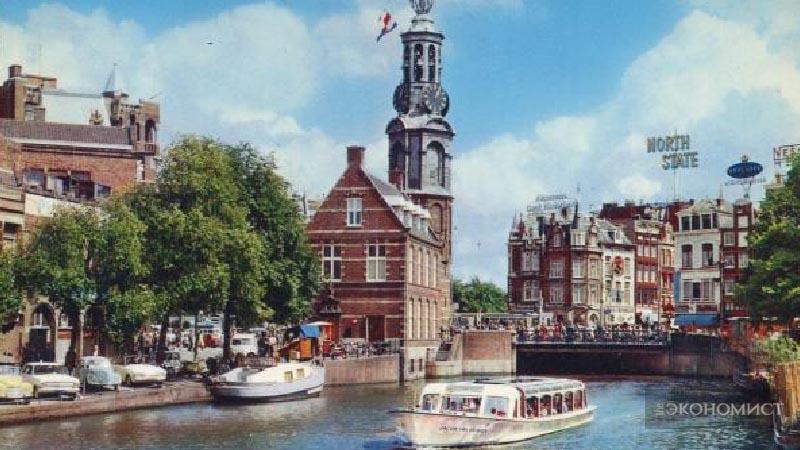 Монетная башня в Амстердаме