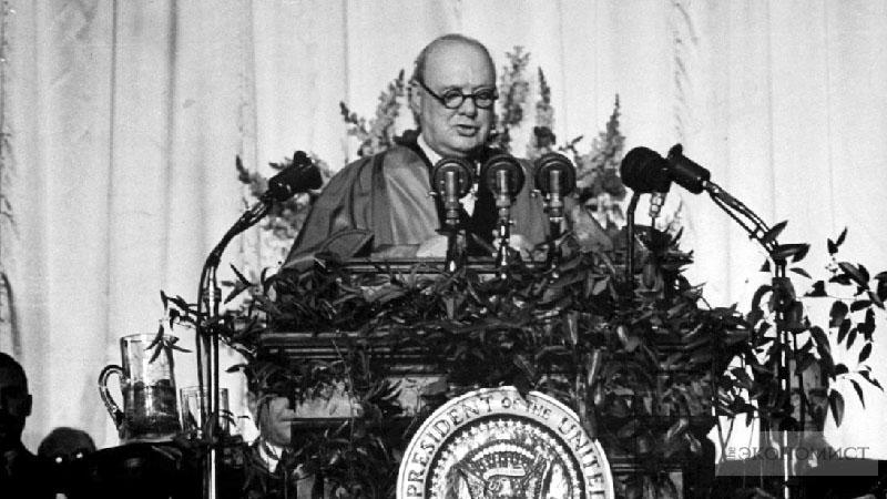 Уинстон Черчилль  — британский государственный и политический деятель, премьер-министр Великобритании в 1940—1945 и 1951—1955 годах; военный (полковник), журналист, писатель, почётный член Британской академии (1952), лауреат Нобелевской премии по литературе (1953)