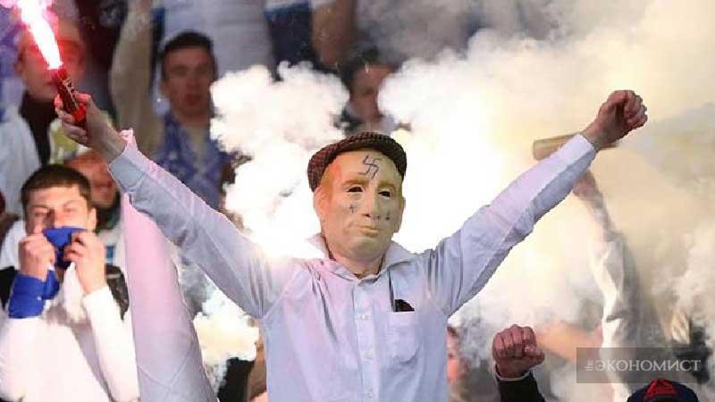 Фашизм пожирает погибший футбол