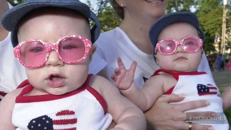 Кризис рождаемости в США: спасти население или нацию