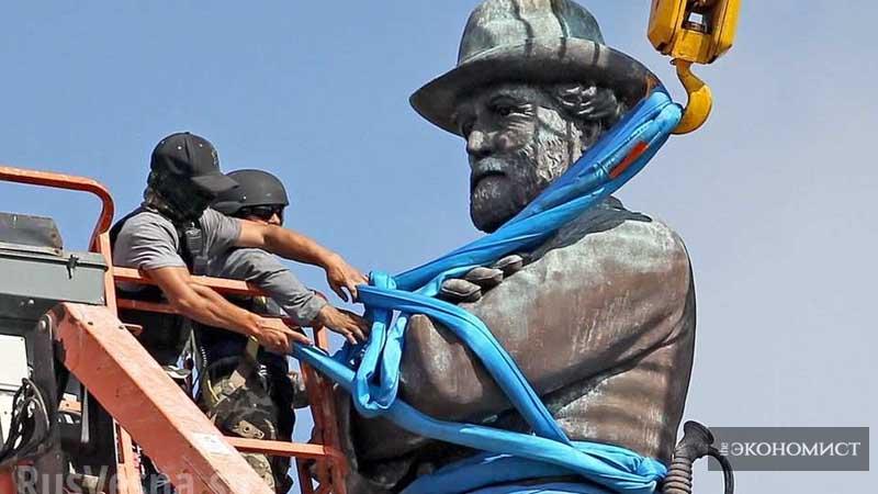 В США валят памятники