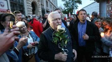 Лех Валенса: в Польше нет демократии, а в Европе – нравственности