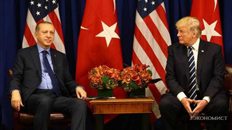 США и Турция приостановили взаимную выдачу виз