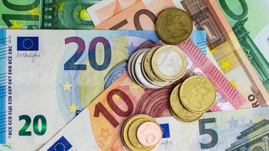 Маниакальная любовь немцев к наличным деньгам удивляет даже экспертов