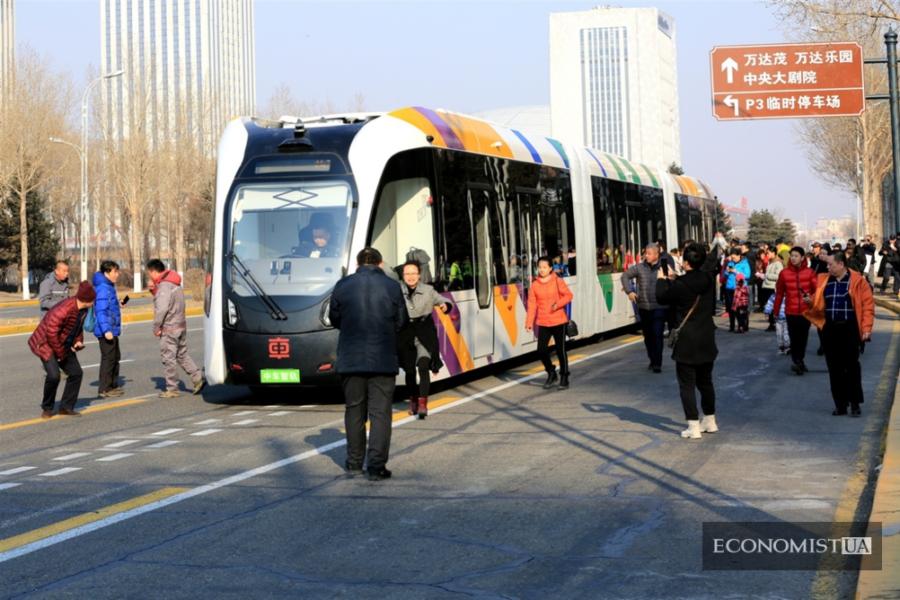 23 февраля 2019 г. «умный» троллейбус полностью китайского производства вступил в тесто-вую эксплуатацию в районе Сунбэй города Харбин провинции Хэйлунцзян. (Ван Бо / «Жэнь-минь тупянь»)